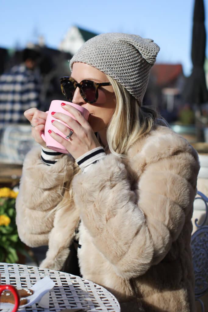 Purely Chic Coffee Break